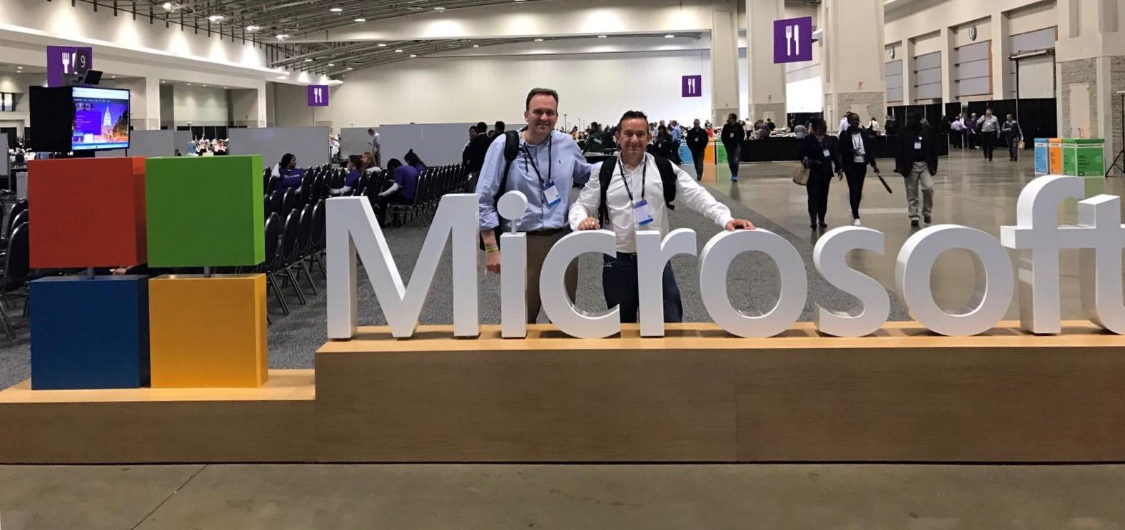 Gonzalo Bernal y Félix Gil durante la primera jornada de Microsoft Inspire